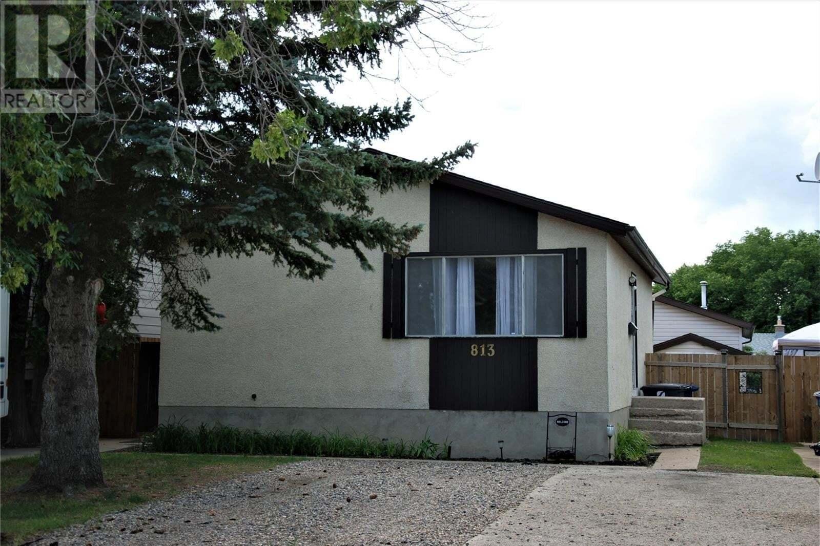 House for sale at 813 Matheson Dr Saskatoon Saskatchewan - MLS: SK826011