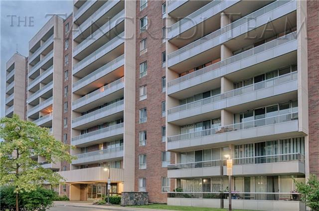 For Sale: 814 - 31 Four Winds Drive, Toronto, ON | 1 Bed, 1 Bath Condo for $319,000. See 13 photos!