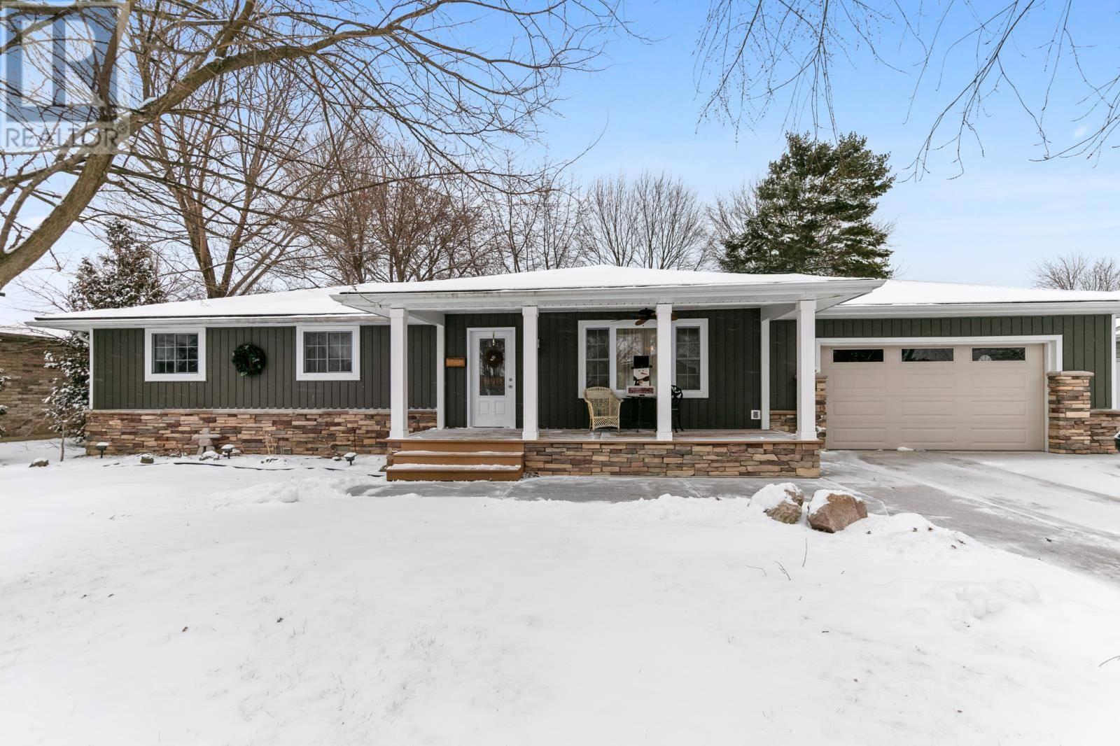 House for sale at 814 Cottage Gr Kingsville Ontario - MLS: 20001927