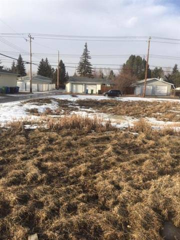 Residential property for sale at 8140 Bowness Rd Northwest Calgary Alberta - MLS: C4291683