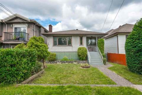 House for sale at 8147 17th Ave Burnaby British Columbia - MLS: R2468704