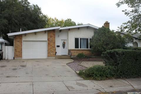 House for sale at 815 Mccarthy Blvd Regina Saskatchewan - MLS: SK786695