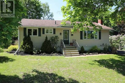 House for sale at 815 York St Fredericton New Brunswick - MLS: NB025890