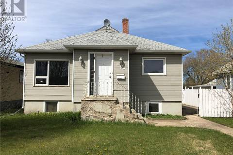 House for sale at 816 15th St W Prince Albert Saskatchewan - MLS: SK772323