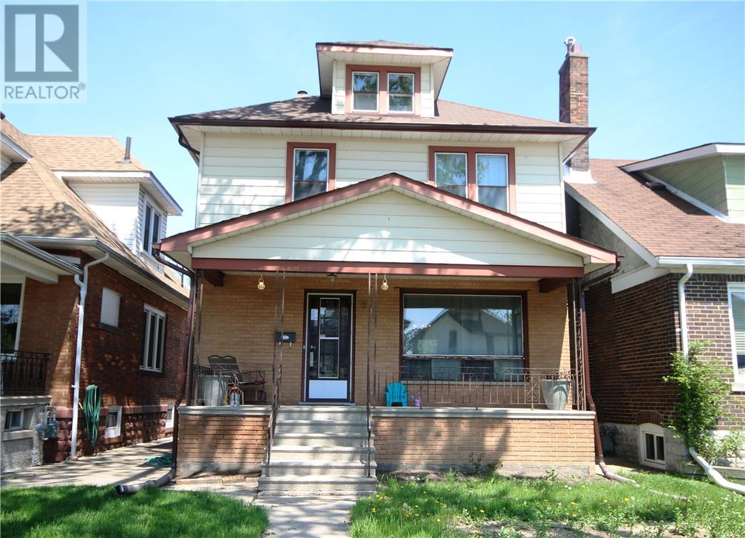 For Sale: 816 Hall , Windsor, ON   4 Bed, 2 Bath House for $179,900. See 23 photos!