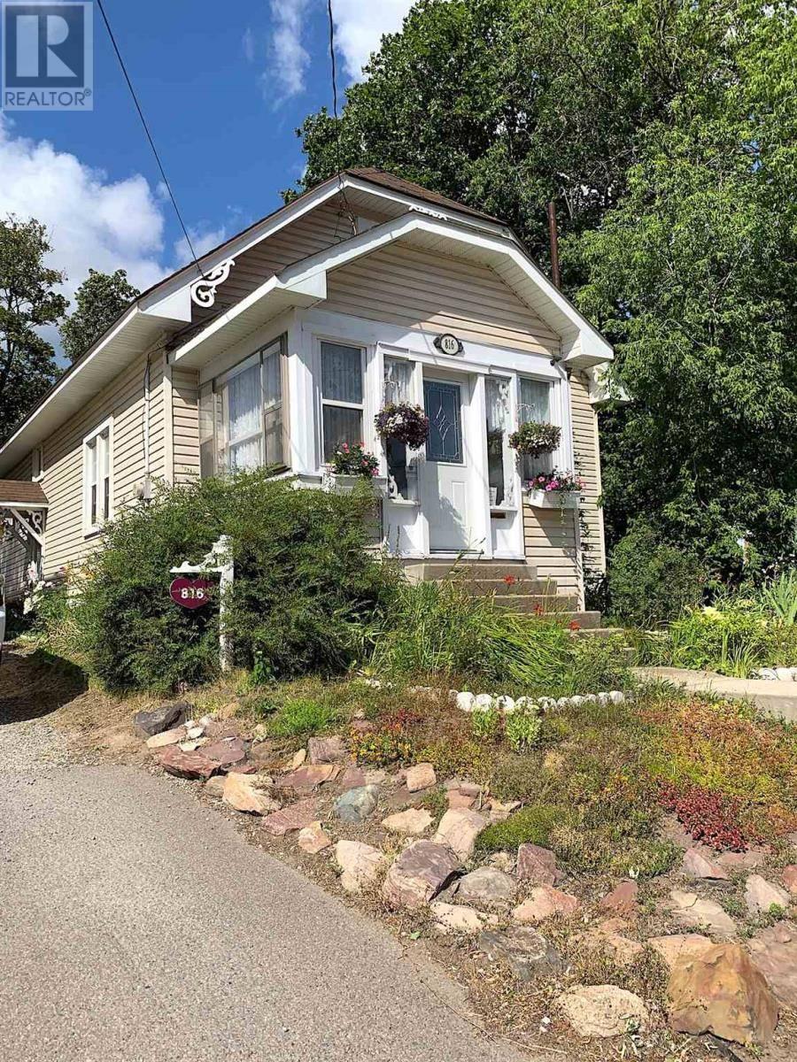 816 Wellington E. Street, Sault Ste. Marie | Image 1