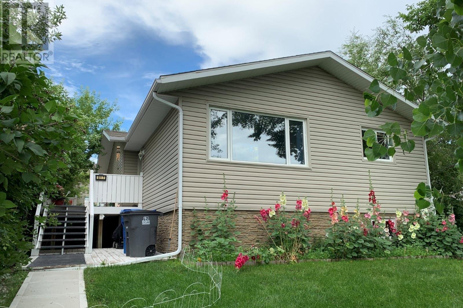 House for sale at 817 1st St Estevan Saskatchewan - MLS: SK821111