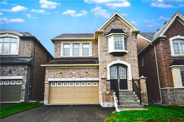 For Sale: 818 Elvidge Trail, Newmarket, ON | 4 Bed, 3 Bath House for $899,800. See 20 photos!