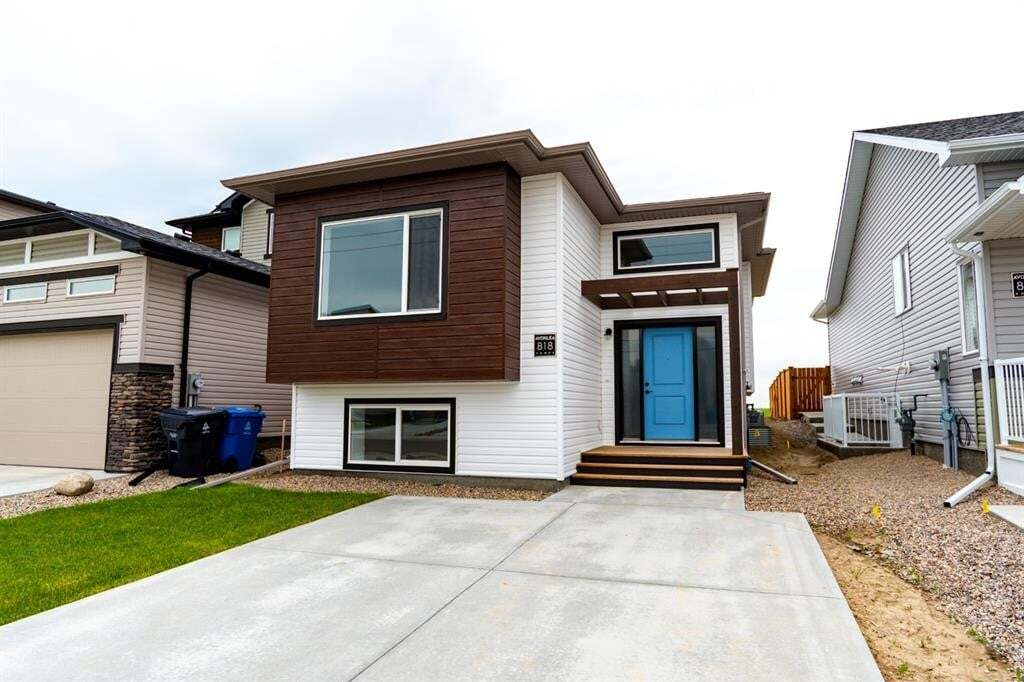 House for sale at 818 Greywolf Run North Lethbridge Alberta - MLS: LD0185818