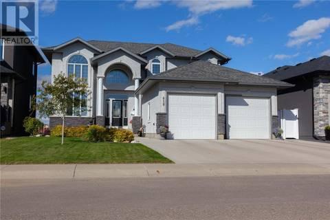 House for sale at 818 Ledingham Cres Saskatoon Saskatchewan - MLS: SK771580