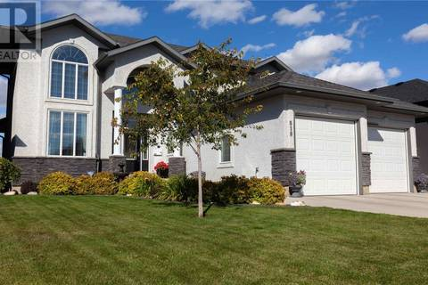 818 Ledingham Crescent, Saskatoon | Image 2