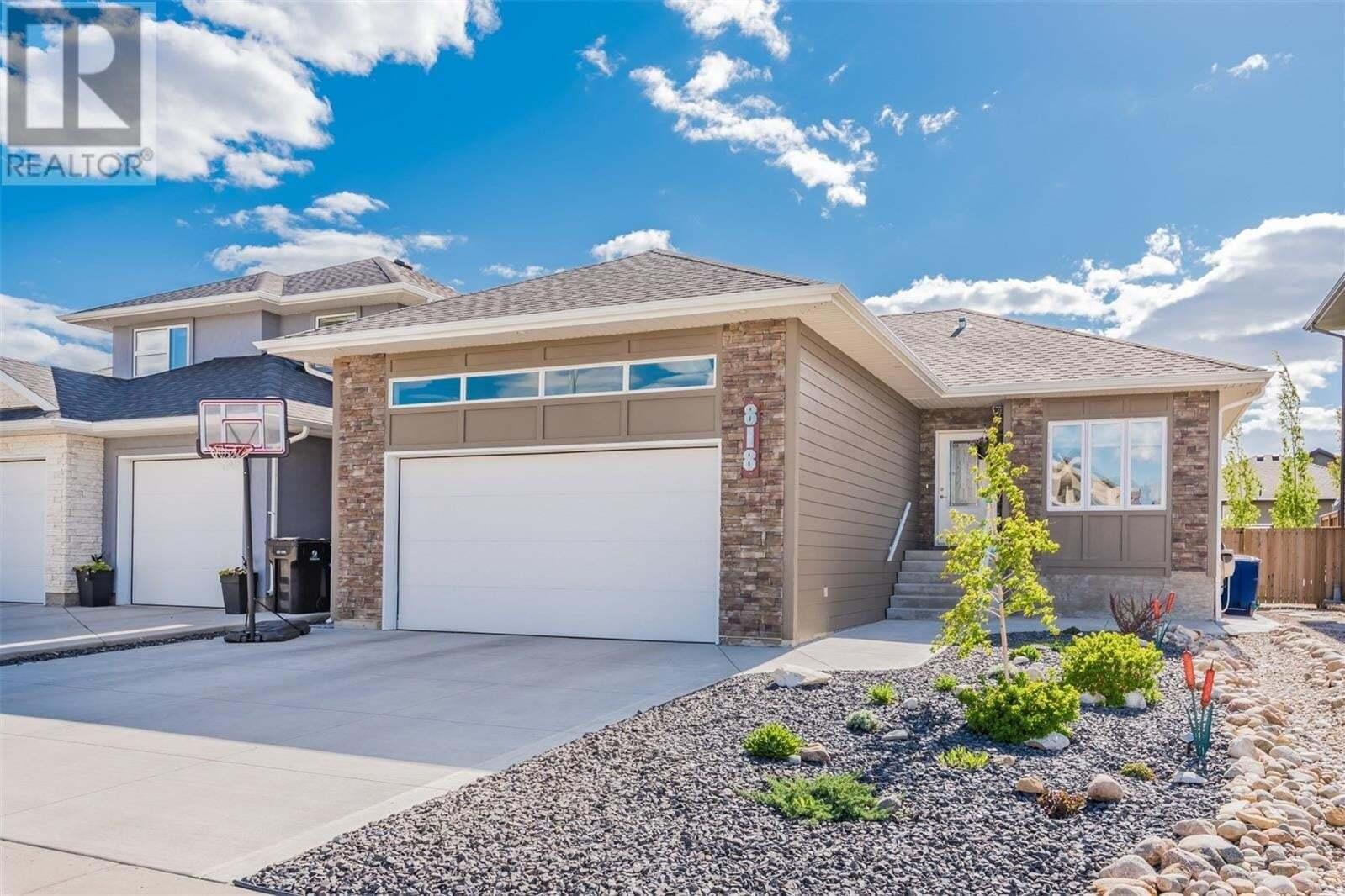House for sale at 818 Sauer Ln Saskatoon Saskatchewan - MLS: SK809900