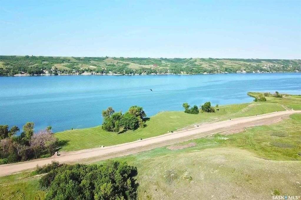 Home for sale at 819 Daniel Dr Buffalo Pound Lake Saskatchewan - MLS: SK809043