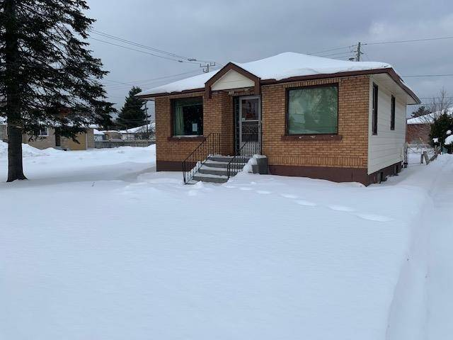 House for sale at 819 Mary St W Thunder Bay Ontario - MLS: TB200130
