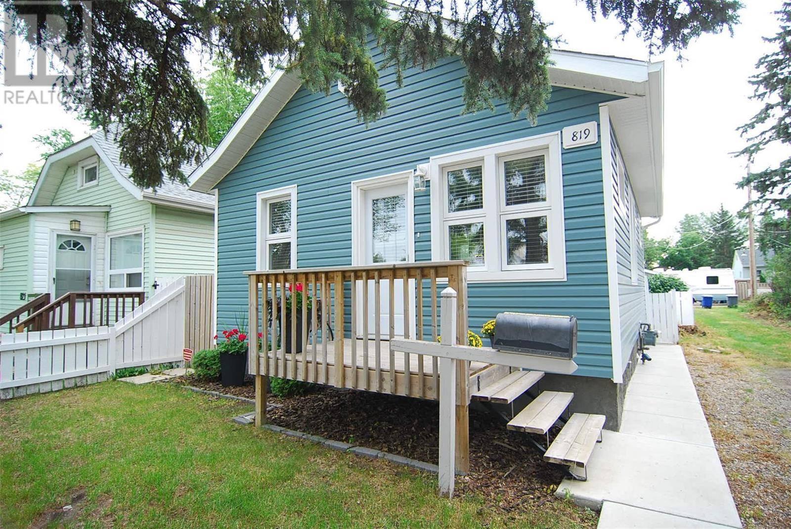 House for sale at 819 Osborne St Saskatoon Saskatchewan - MLS: SK783255