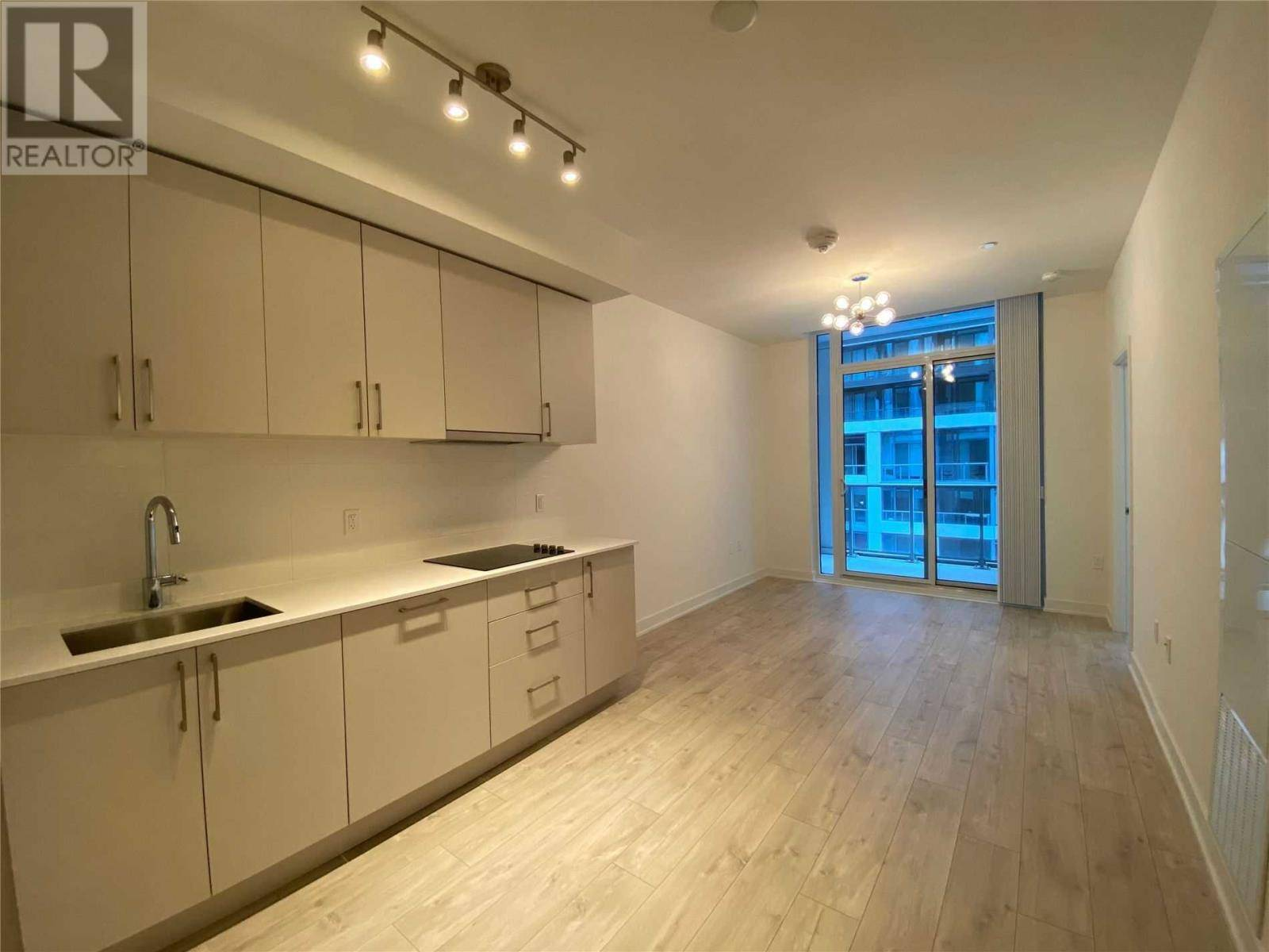 Apartment for rent at 576 Front St West Unit 819E Toronto Ontario - MLS: C4673411