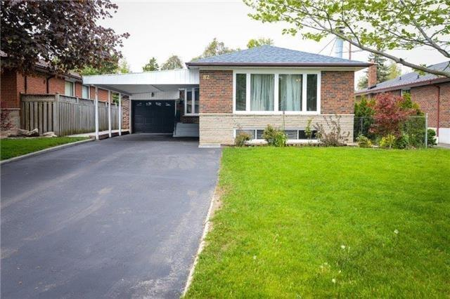 For Sale: 82 Alpaca Drive, Toronto, ON   3 Bed, 2 Bath House for $858,000. See 19 photos!