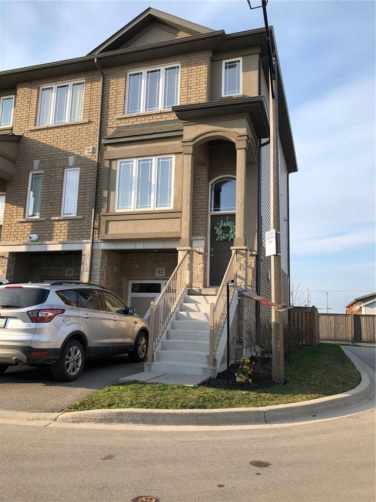 Townhouse for sale at 82 Bloom Cres Hannon Ontario - MLS: H4075808