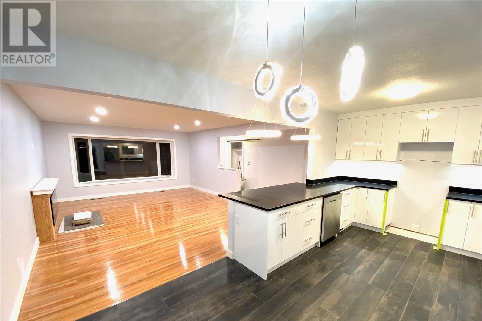 House for sale at 82 Cardinal Cres Regina Saskatchewan - MLS: SK838029