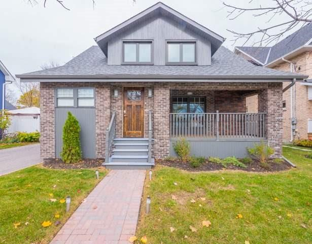 For Sale: 82 Centre Street, Aurora, ON | 3 Bed, 3 Bath House for $1,075,000. See 20 photos!