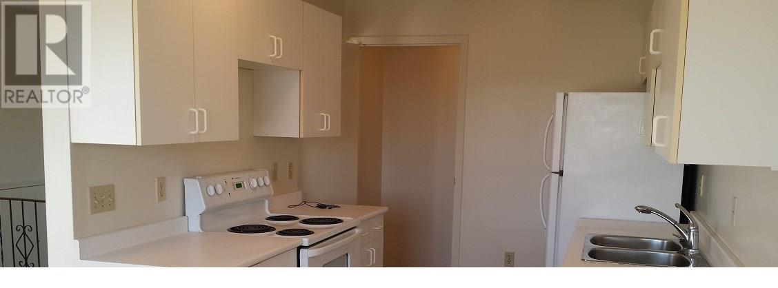 For Rent: 82 Collier Road Se, Medicine Hat, AB | 0 Bath Townhouse for $519,000. See 20 photos!