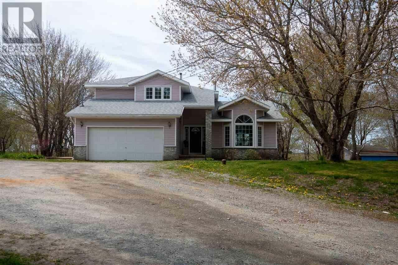 House for sale at 82 Kingswood Dr East Uniacke Nova Scotia - MLS: 202008772