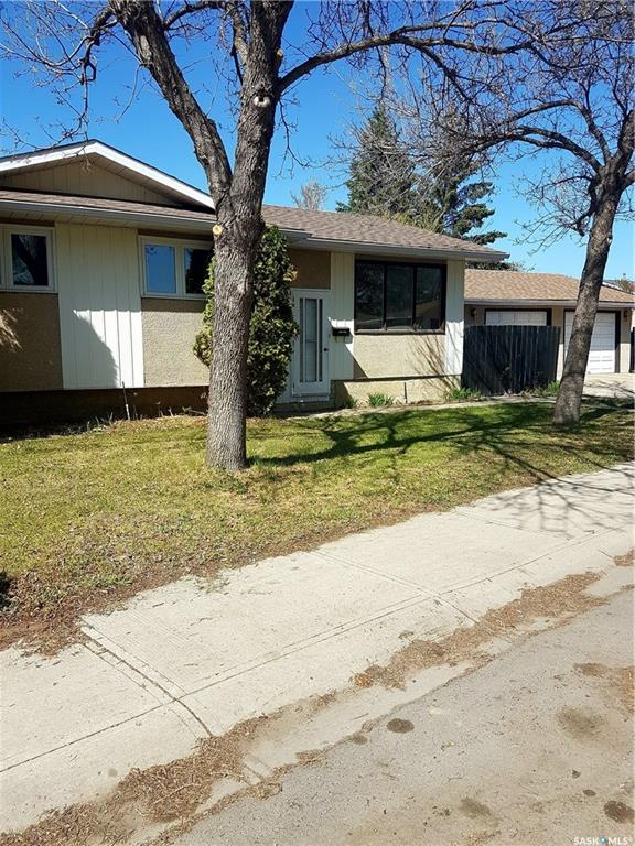 For Sale: 82 Markwell Drive, Regina, SK   3 Bed, 2 Bath House for $309,900. See 21 photos!