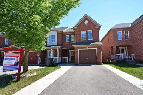 Townhouse for sale at 82 Monaco Ct Brampton Ontario - MLS: W4891895
