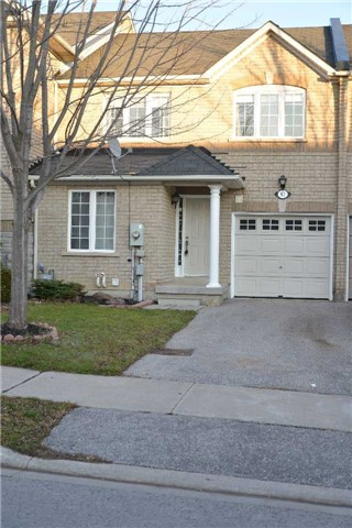 For Rent: 82 Red River Crescent, Newmarket, ON | 3 Bed, 3 Bath Townhouse for $1,850. See 18 photos!