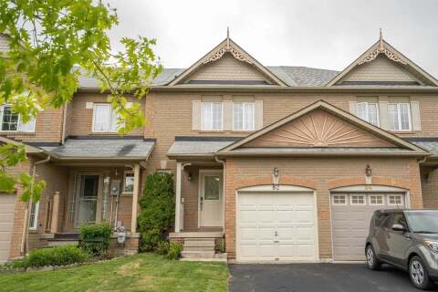 Townhouse for sale at 82 Tremount St Whitby Ontario - MLS: E4775434