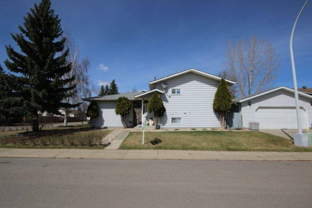 House for sale at 8203 189a St Nw Edmonton Alberta - MLS: E4187689