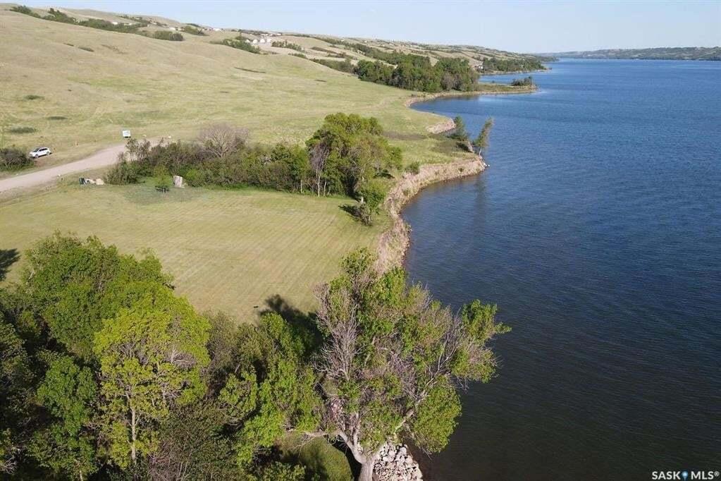 Residential property for sale at 821 Daniel Dr Buffalo Pound Lake Saskatchewan - MLS: SK809047