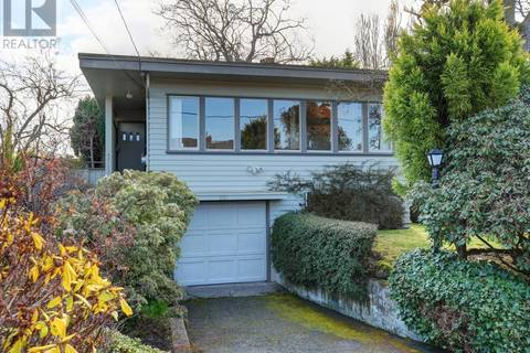 House for sale at 821 Island Rd Victoria British Columbia - MLS: 407755
