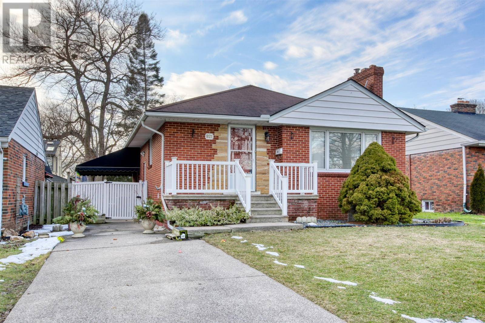 House for sale at 821 Matthew Brady  Windsor Ontario - MLS: 20002001