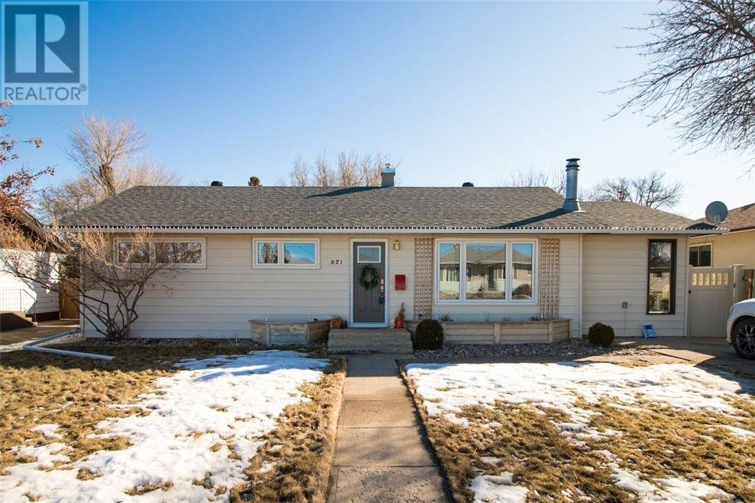 House for sale at 821 Parker Ave Nw Medicine Hat Alberta - MLS: mh0189481