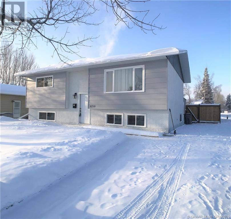 House for sale at 8210 Poplar Dr Grande Prairie Alberta - MLS: GP213861