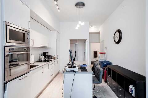 Apartment for rent at 576 Front St Unit 821E Toronto Ontario - MLS: C4813183