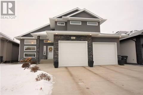 House for sale at 822 Gillies Cres Saskatoon Saskatchewan - MLS: SK795744