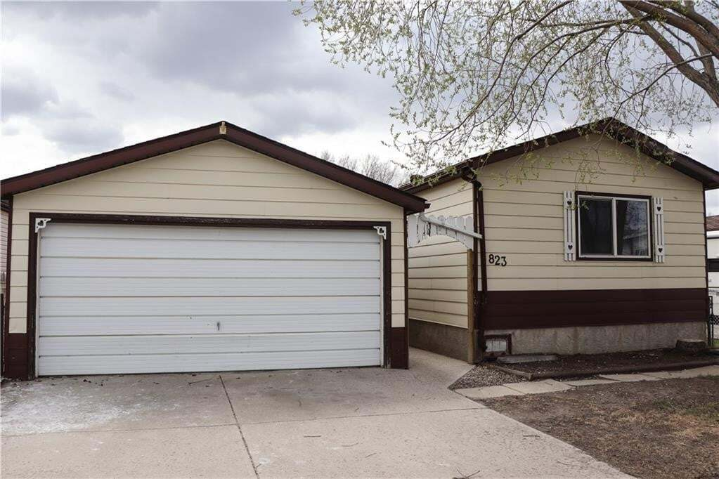 Home for sale at 823 Briarwood Rd Brentwood_strathmore, Strathmore Alberta - MLS: C4296241