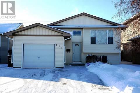 House for sale at 823 Overholt Cres Saskatoon Saskatchewan - MLS: SK797197