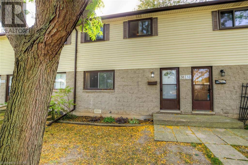 Townhouse for sale at 31 Dundalk Dr Unit 825 London Ontario - MLS: 224119