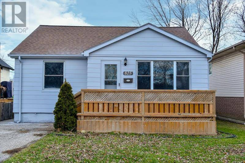 House for sale at 825 Bensette  Windsor Ontario - MLS: 20000039
