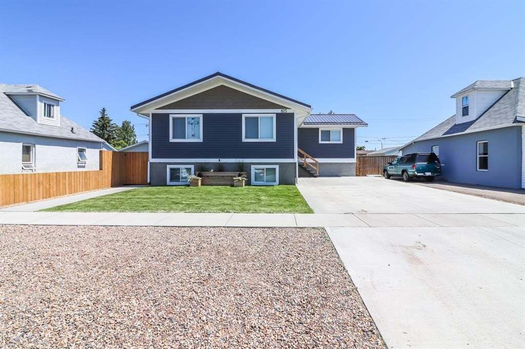 House for sale at 825 Main St South Redcliff Alberta - MLS: A1006507