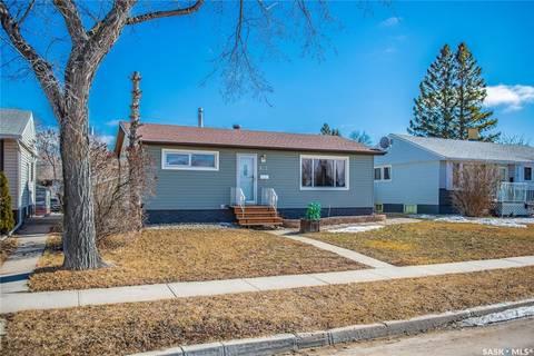 House for sale at 825 Mcintosh St Regina Saskatchewan - MLS: SK803104