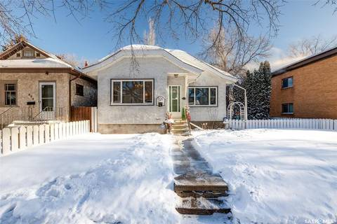 House for sale at 826 C Ave N Saskatoon Saskatchewan - MLS: SK796822