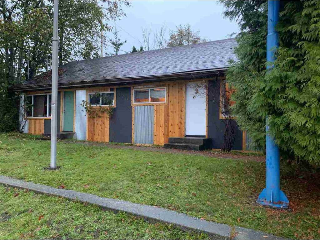 Commercial property for sale at 826 Gibsons Wy Gibsons British Columbia - MLS: C8022741