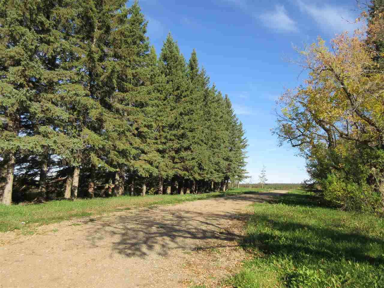 Home for sale at 827 Twp Rd Rural Thorhild County Alberta - MLS: E4195418