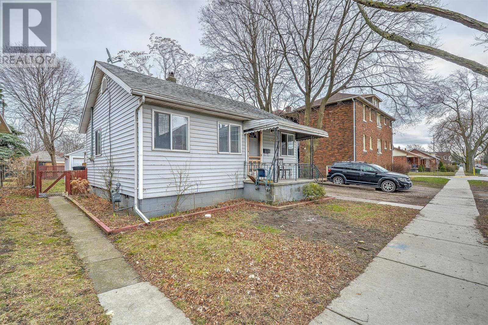 House for sale at 828 Louis Ave Windsor Ontario - MLS: 20003535