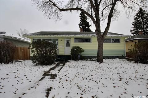 House for sale at 829 Grace St Regina Saskatchewan - MLS: SK790574