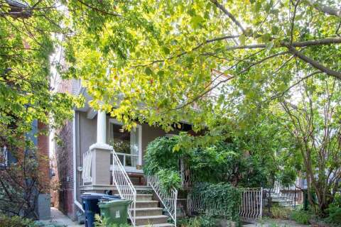 Townhouse for sale at 83 Armstrong Ave Toronto Ontario - MLS: W4917289
